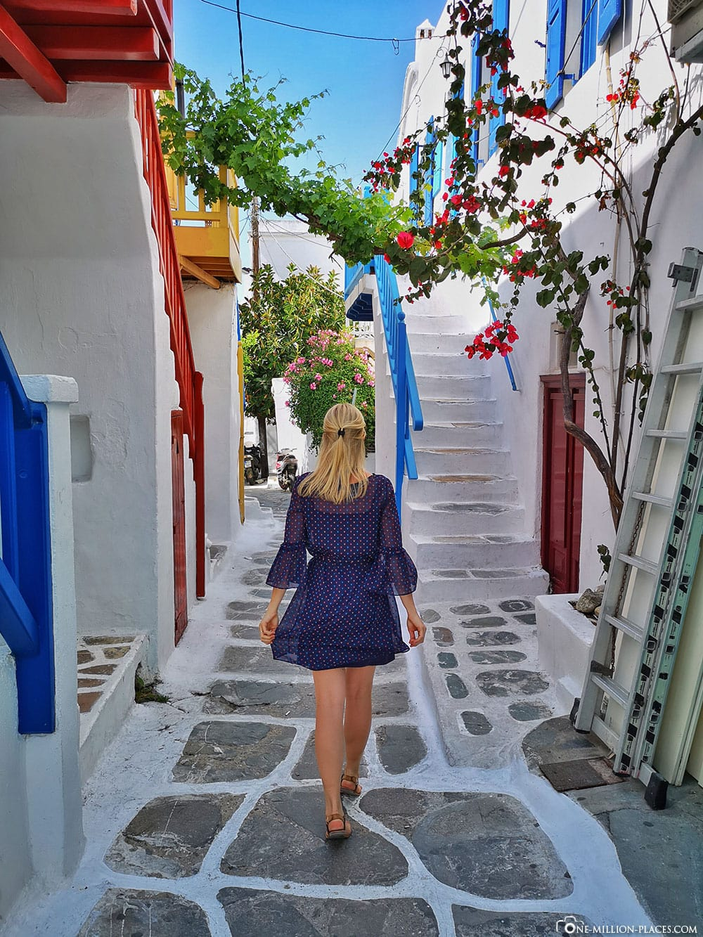 Fairytale streets, Mykonos, Chora, city, alleys, sights, pictures, travel blog