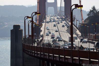 The 6 lanes on the bridge