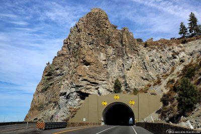 Der Cave Rock Tunnel