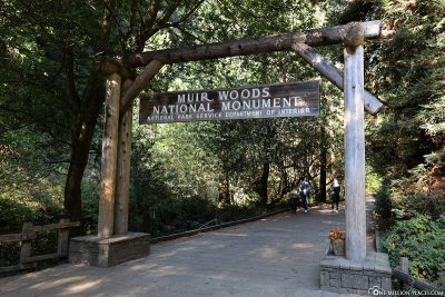 The entrance to Muir Woods National Monument
