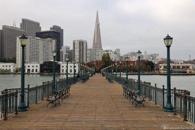 Blick vom Pier 7 auf Downtown San Francisco