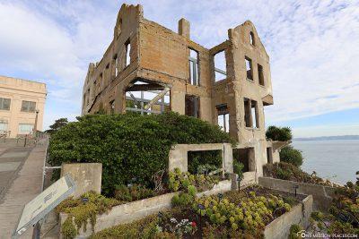 Das abgebrannte Haus des Gefängnisdirektors