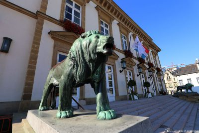 Das Rathaus (Hôtel de Ville)
