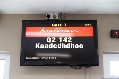 Onward flight to Kaadedhdhoo