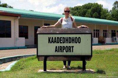 Ankunft am Kaadedhdhoo Flughafen