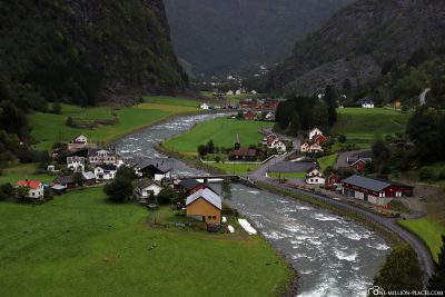 The elongated valley of Flsdalen