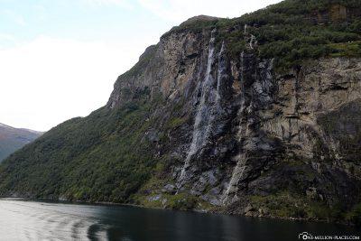 """Die Wasserfälle """"Sieben Schwestern"""""""