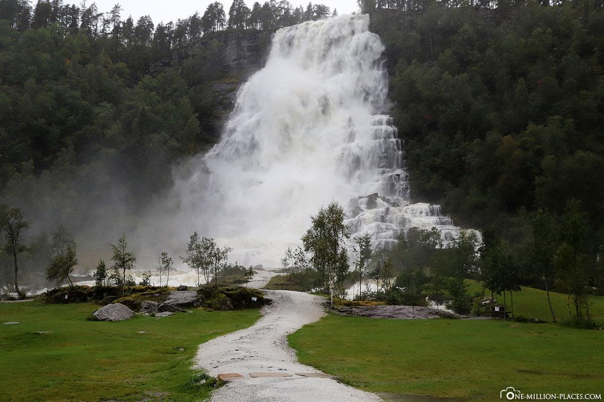 Tvindefossen, Waterfall, Norway, Eidfjord