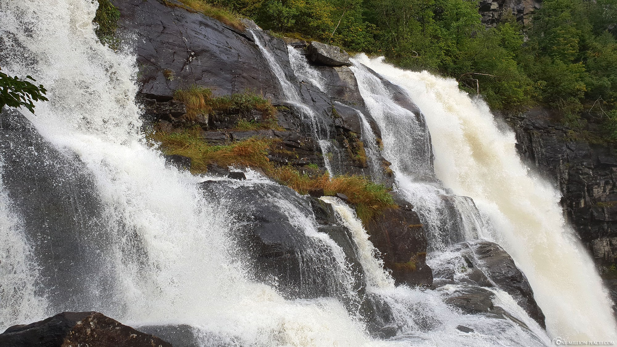 Skjervsfossen, Waterfall, Eidfjord, Norway