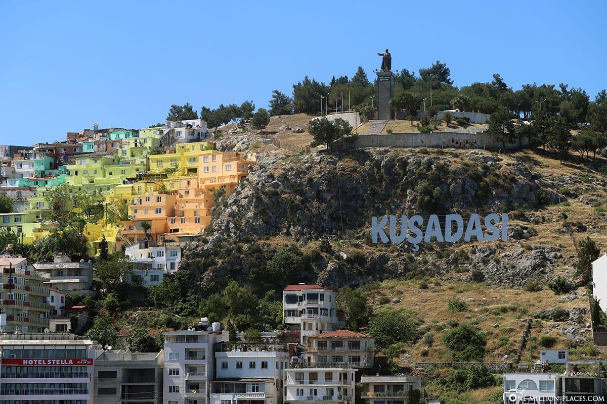 Kusadasi, Cruise, Colorful Häußer, Ataturk Monument, Turkey