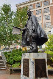 Statue of William H. Seward