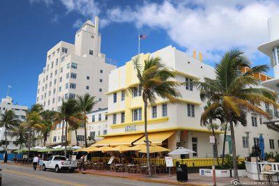 South Beach Boutique Hotel Leslie