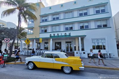 Vintage car in front of the Avalon Hotel