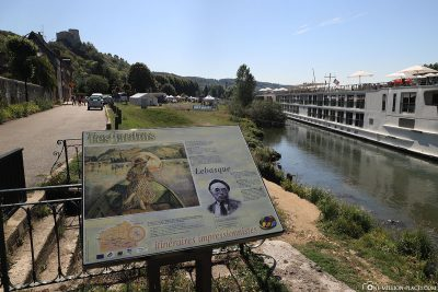 Information board on the banks of the Seine