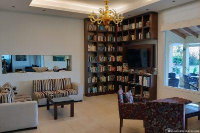 The lobby with bookshelf
