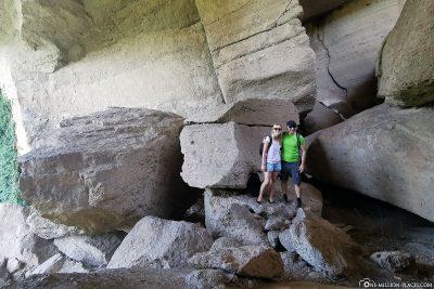 Die Dragon Cave unter dem Kloster Varlaam