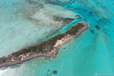 Drohnenaufnahme der Insel Dove Cay