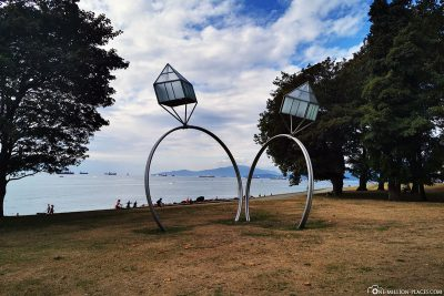 "The sculpture ""Engagement Rings"" by Dennis Oppenheim"