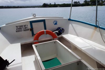 The boat with the glass bottom