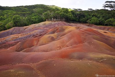 Die bunten Hügel der Siebenfarbigen Erde