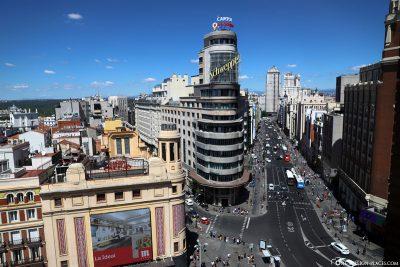 Das berühmte Schweppes-Gebäude (Edificio Carrión)