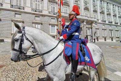 Die Königliche Garde auf den Pferden