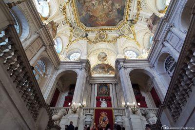 Deckengewölbe der großen Treppe