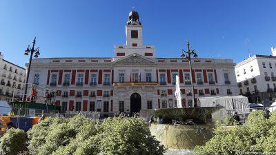 The zero-kilometre stone on the Puerta del Sol