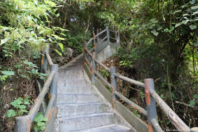The ascent to the cave