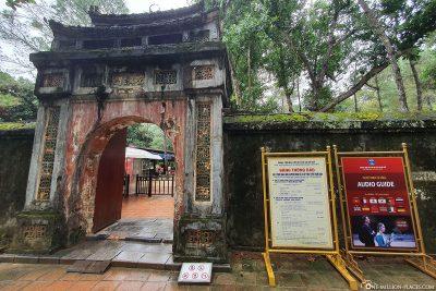 Der Eingang zum Grabmal