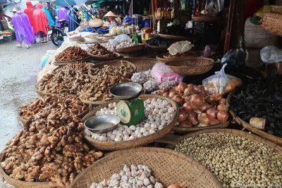 Dong Ba Market 0.6 miles