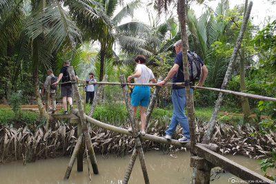 Eine kleine Holzbrücke
