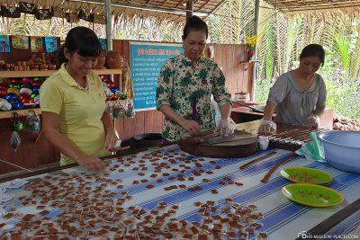 Herstellung von Kokosnuss-Bonbons