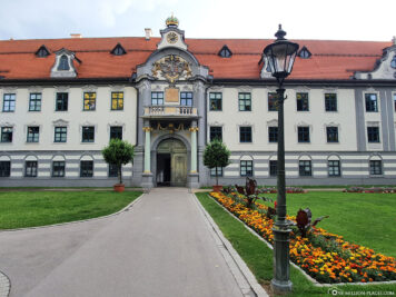 The Fronhof