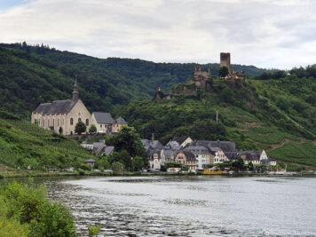 Metternich Castle above Beilstein
