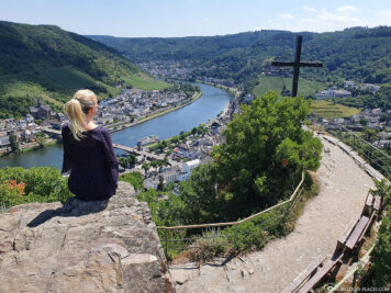 The view from the Pinnerkreuz viewpoint on Cochem & the Moselle