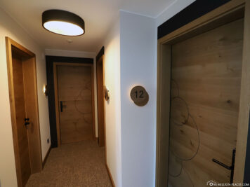 Entrance to the hotel room