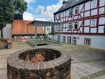 Showcase about the remains of a former synagogue