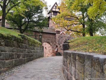 Der Eingang zur Burganlage
