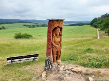 Statue am Wanderweg