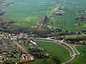 Luftaufnahme der Teufelsmauer Königstein