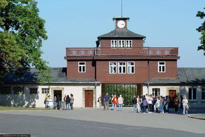 Torgebäude mit Arrestzellen