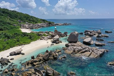 Blick auf den Strand des Anse Marron