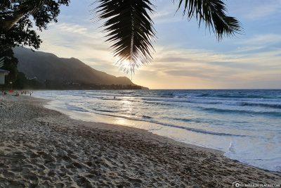 Sonnenuntergang am Beau Vallon Beach