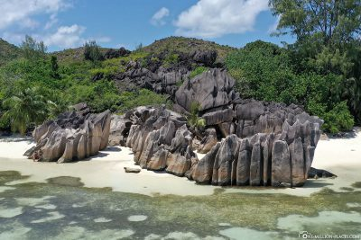 The granite rocks on Curieuse Island