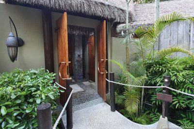The entrance to our Villa de Charme
