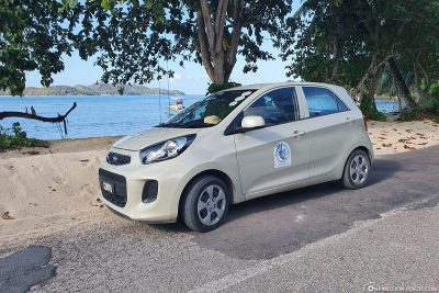 Our car rental on Praslin