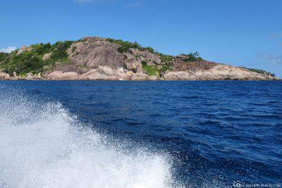 Bootsfahrt nach Félicité Island