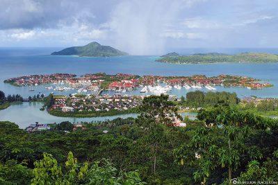 Blick auf Eden Island