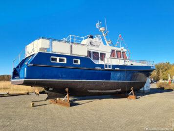 Aufgebocktes Boot